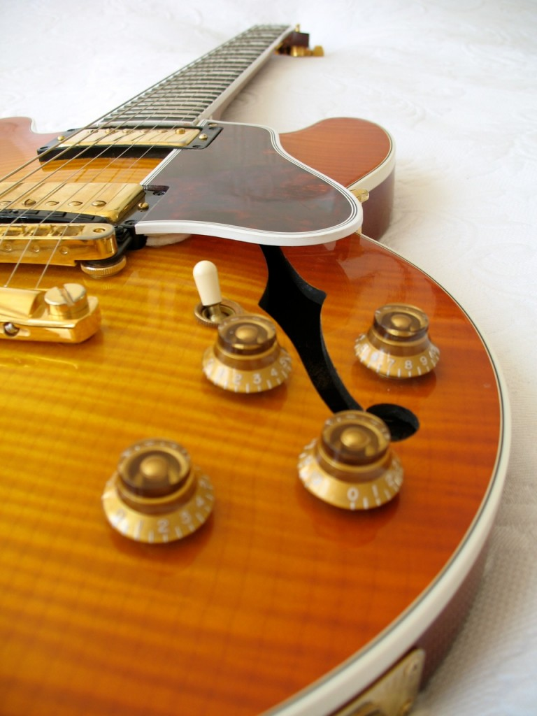 Gibson_ES346_brown_pan