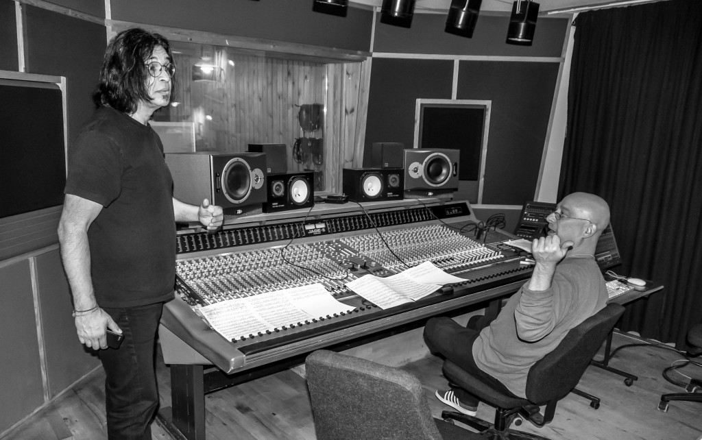 Jimmy Haslip and Gary Novak in the studio, recording for the Gratitude album with Soren Reiff